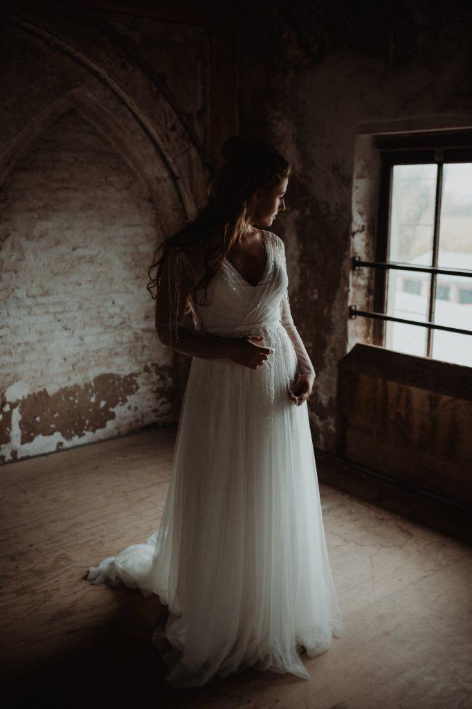 bruidsjurken bridal shoot utrecht bohemian methaal kathedraal bruidsboeket moody