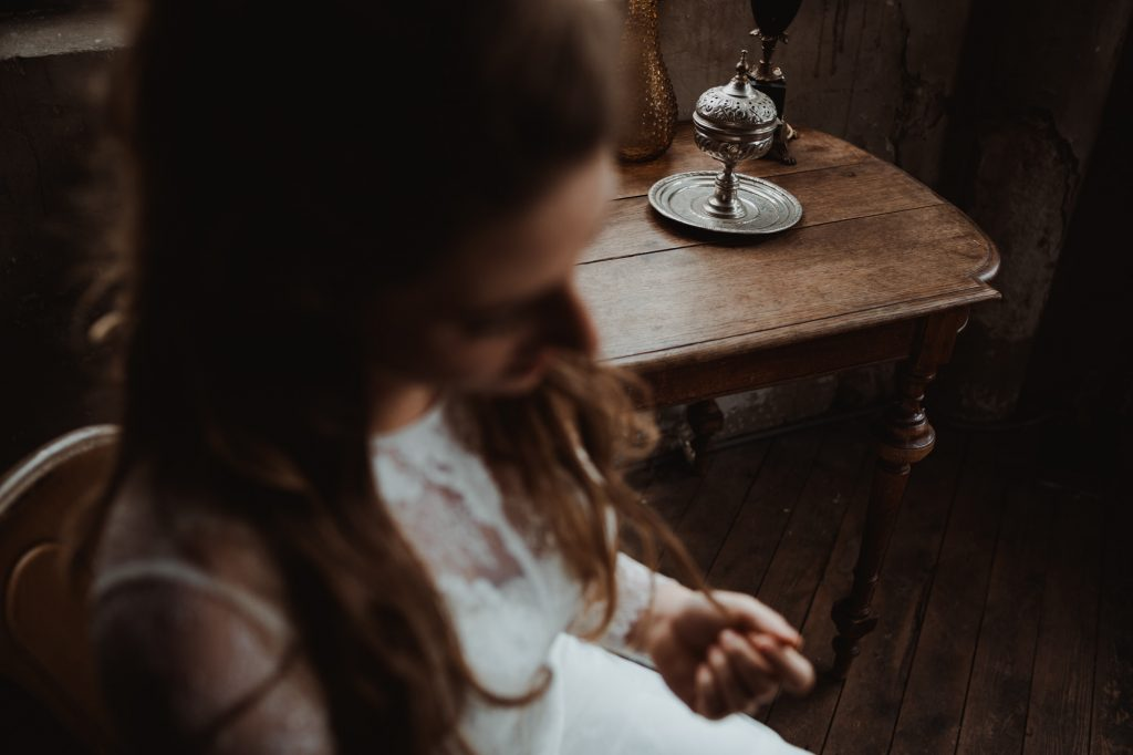 bruidsjurken shoot utrecht bohemian methaal kathedraal bruidsboeket moody